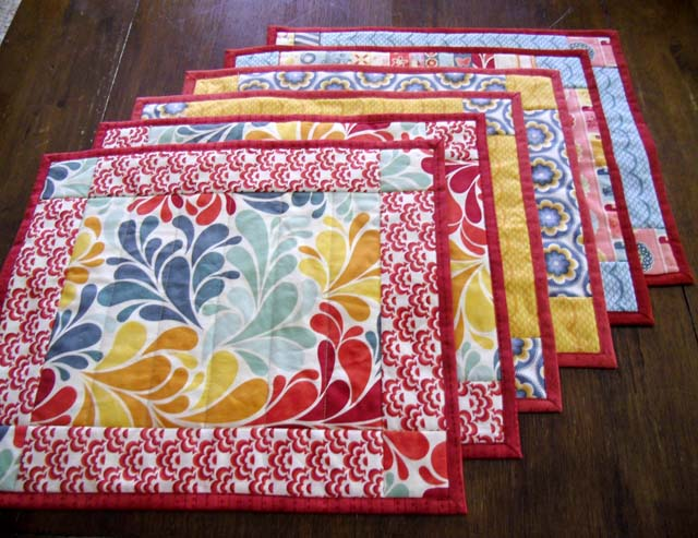 Placemat Tutorial using Quick Easy Mitered-Binding Tool - The Crafty ...