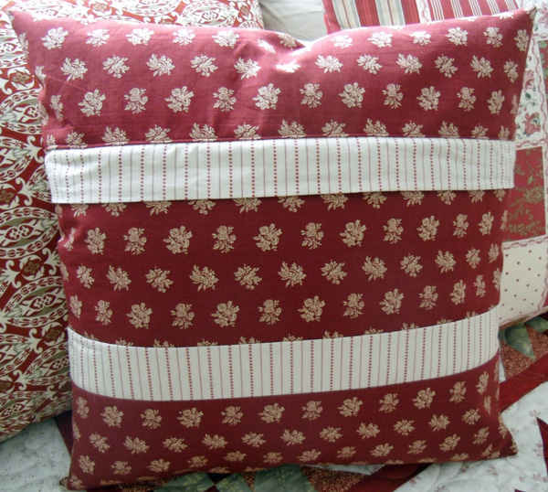 poinsettia pillow back