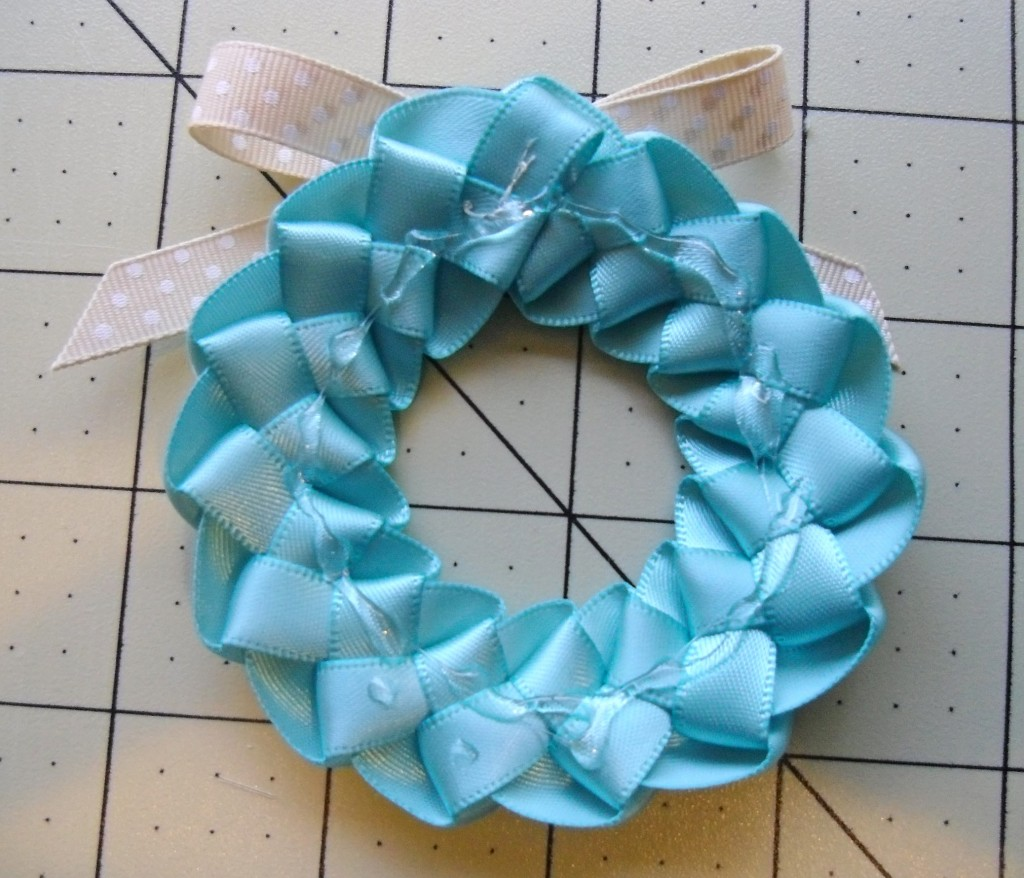 ribbon wreath back
