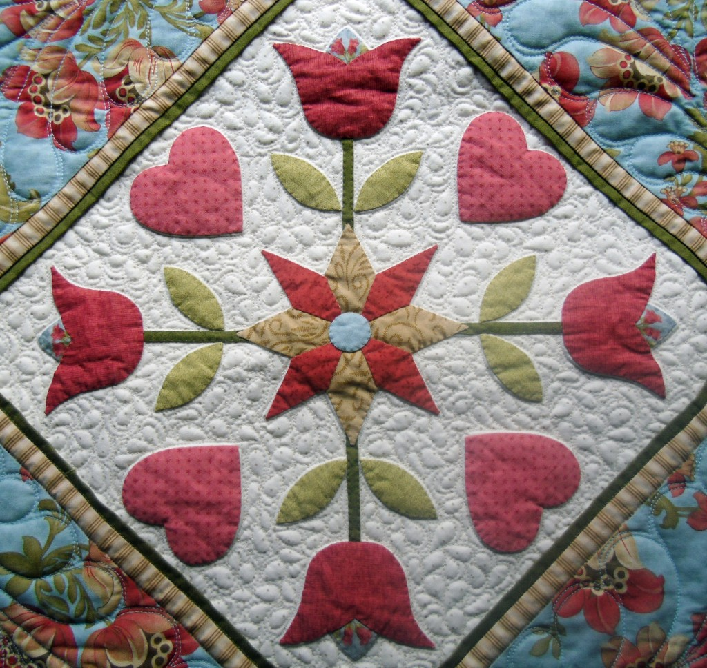 Applique symmetrical at The Crafty Quilter