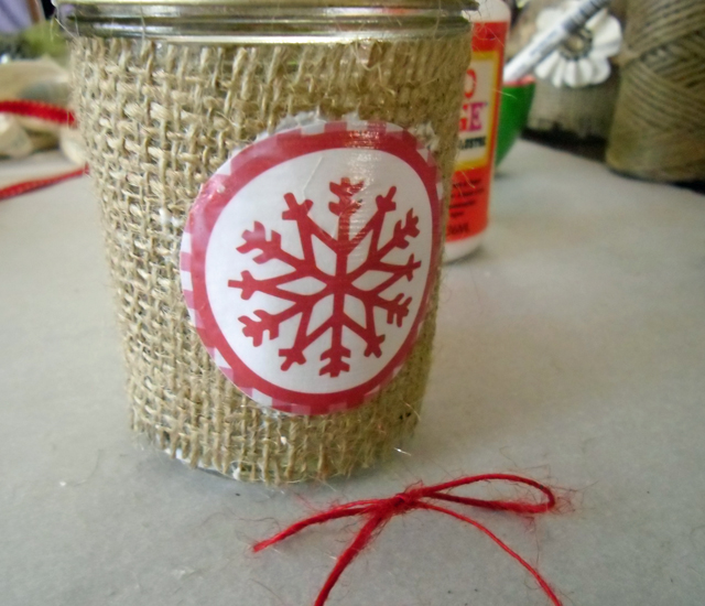 burlap red mod podge