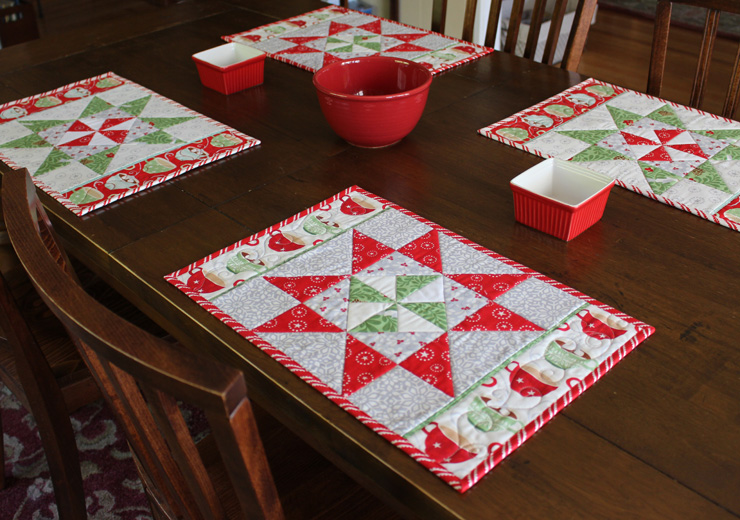 Christmas in August: Pinwheel Star Table Runner, Placemats, and more ...