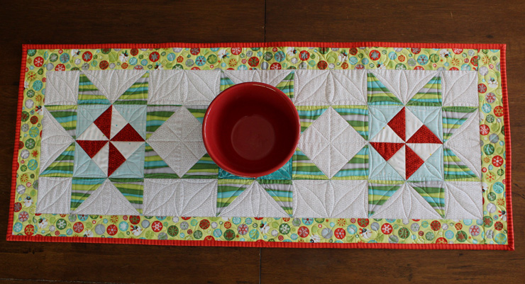 http://thecraftyquilter.com/wp-content/uploads/2013/08/table-runner-above.jpg