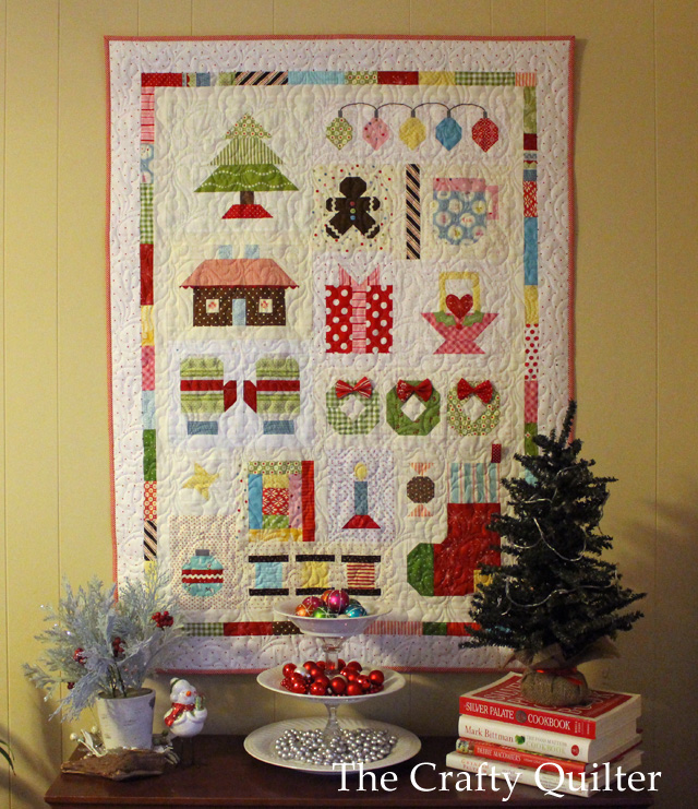 Quilty Christmas Quilt by Julie Cefalu @ The Crafty Quilter