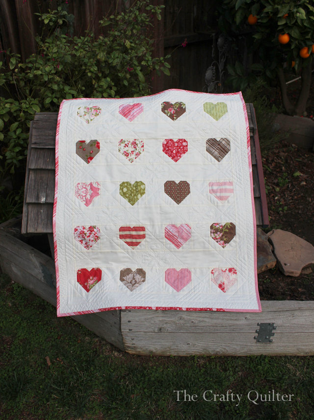 Simple Heart Quilt made by Julie Cefalu, @The Crafty Quilter