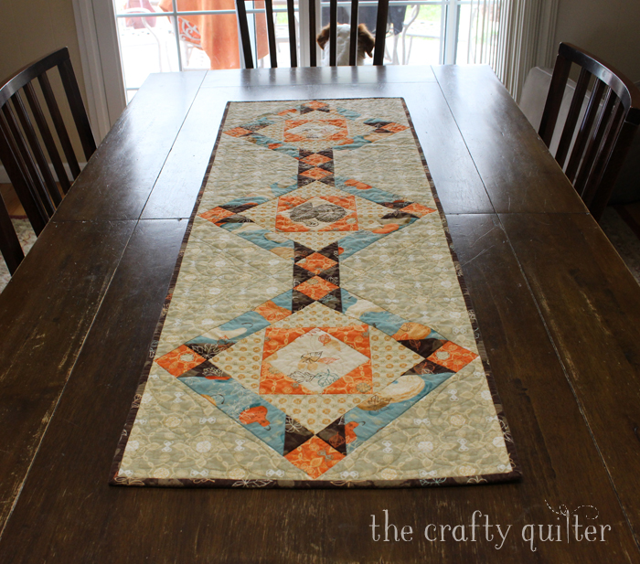 Fall Inspiration @ The Crafty Quilter includes this fall table runner tutorial