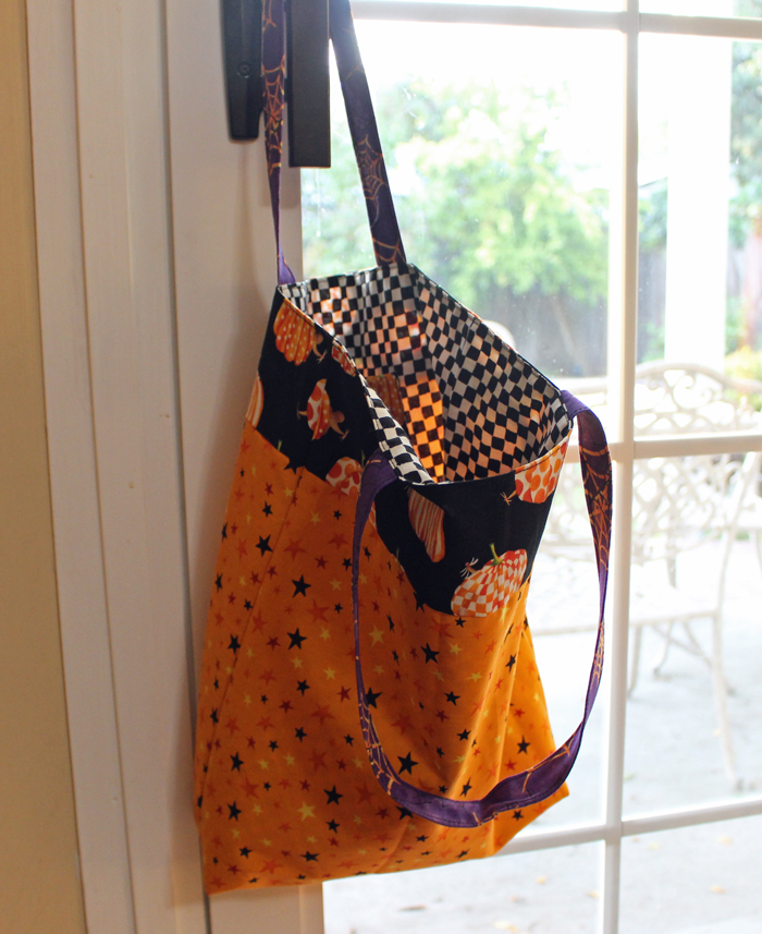 Halloween Treat Bag made by Julie Cefalu @ The Crafty Quilter