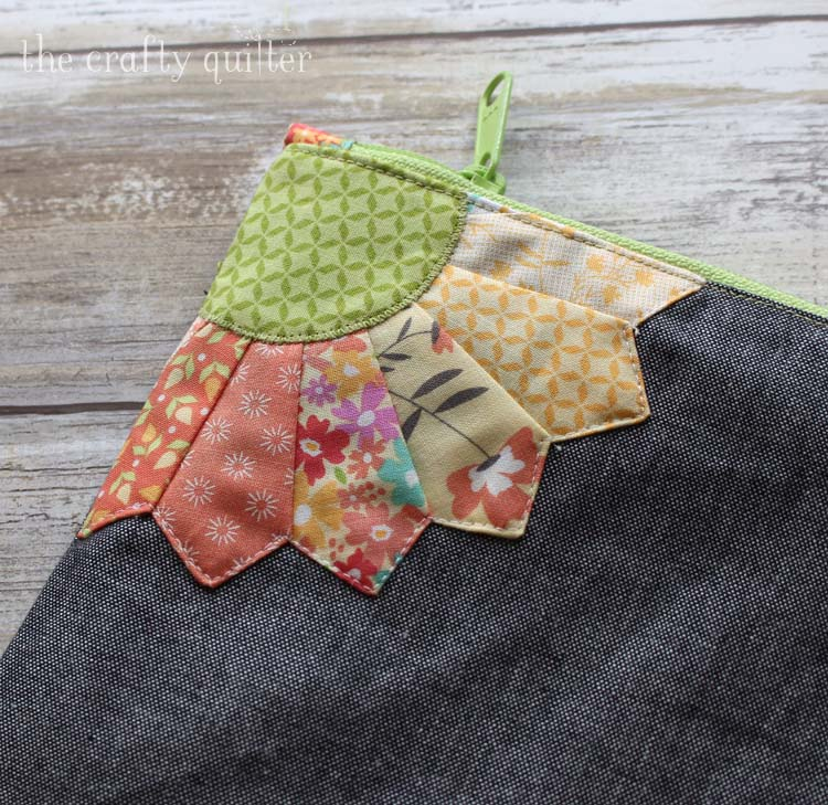 Double Dresden Pouch corner detail, made by Julie Cefalu. Pattern from Sew Lux Fabric.