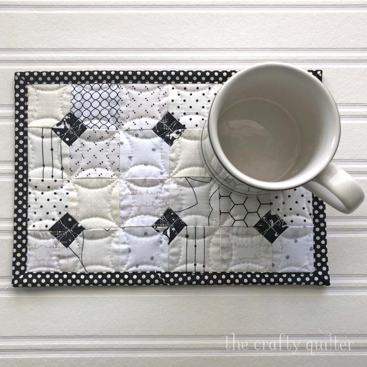 Tiled Mug Rug @ The Crafty Quilter